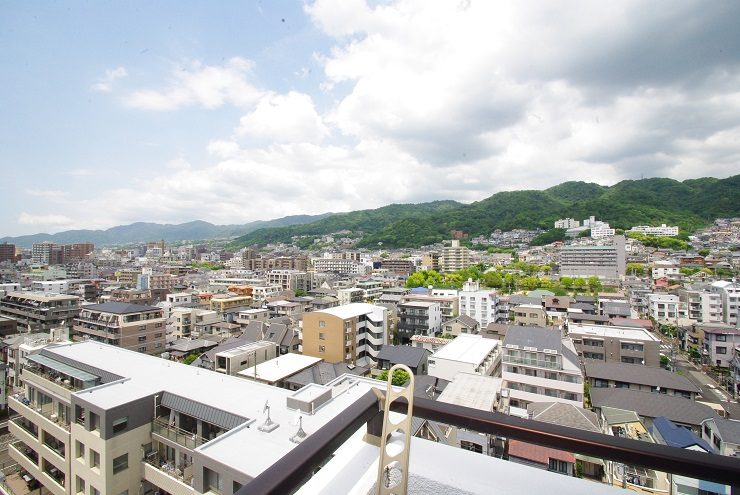 【中古マンション】メゾン本山中町EAST